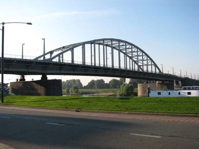 arnhem-bridge-1708