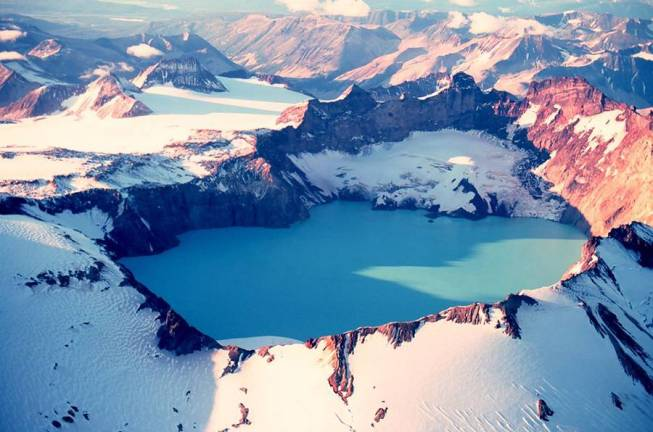 katmai-crater-lake