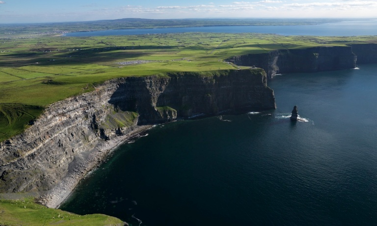 sdp10_cliffs-of-moher_bg